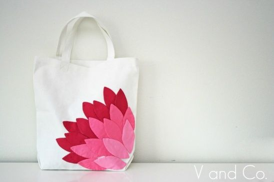 flower tote by Vanessa Skinner Christenson | Project | Sewing / Bags & Purses | Kollabora