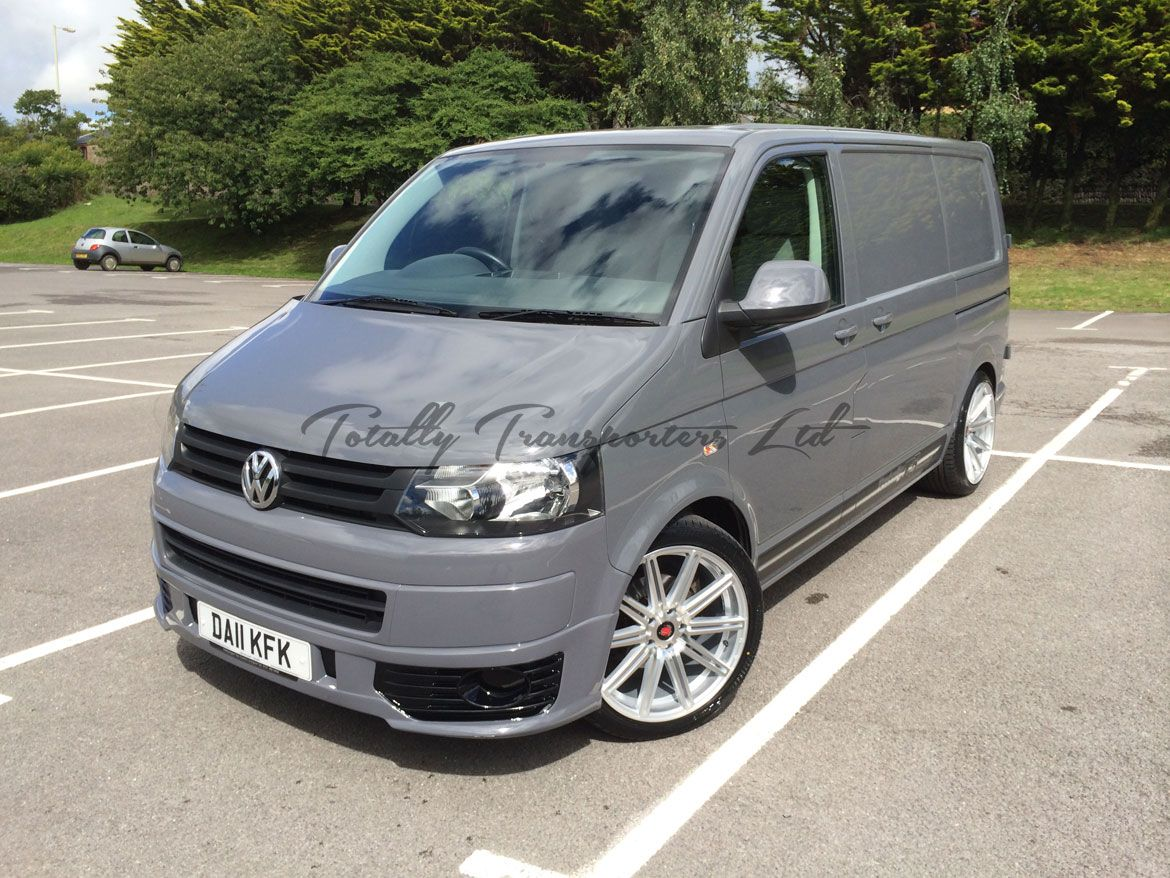 This is a listing for a 2011 (11) VW Transporter T5 1 GP 2 0