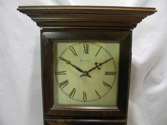 Vintage Bulova Wall Clock Bulova Cordless Battery Clock Etsy Bulova Wall Clock Wall Clock Vintage Wall Clock