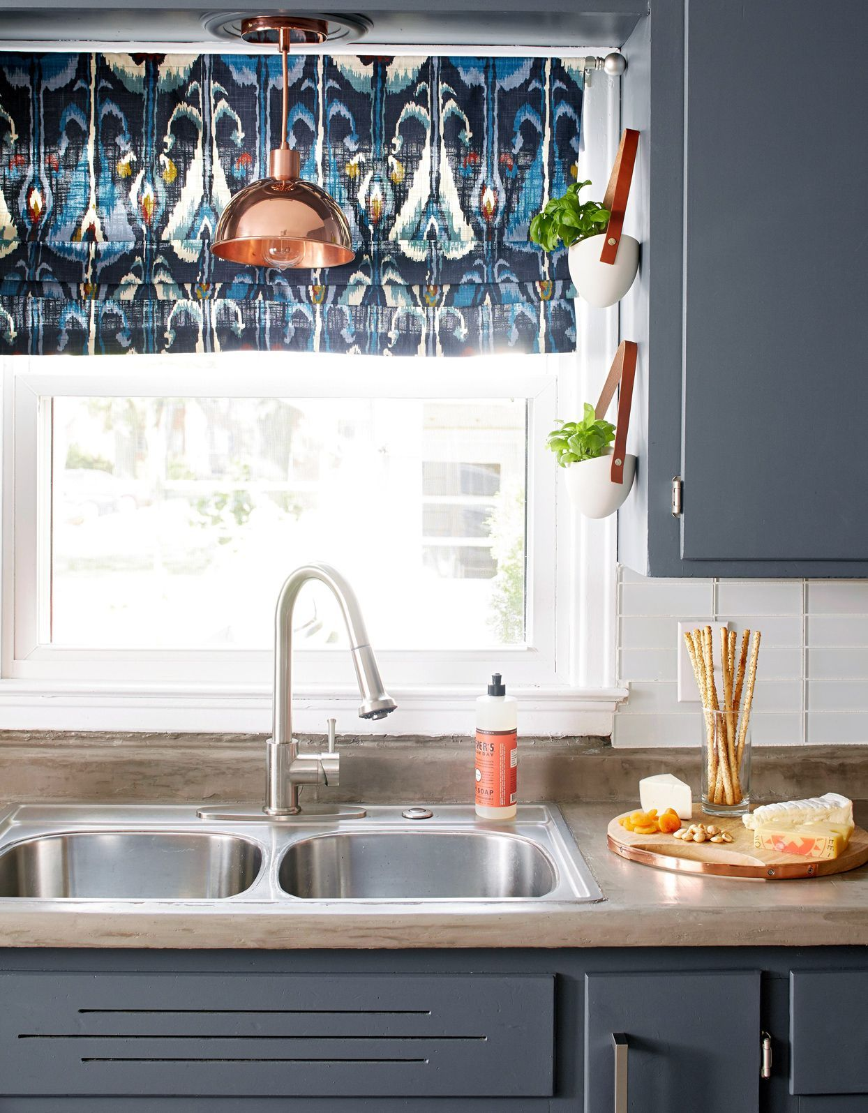 The Easiest Way To Clean Kitchen Cabinets Including Those Tough Grease Stains In 2020 Laminate Cabinets Clean Kitchen Cabinets Painting Laminate Cabinets
