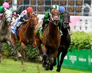 Green Mask Makes the Grade in Turf Sprint on Churchill Downs Oaks undercard. 5/5/17