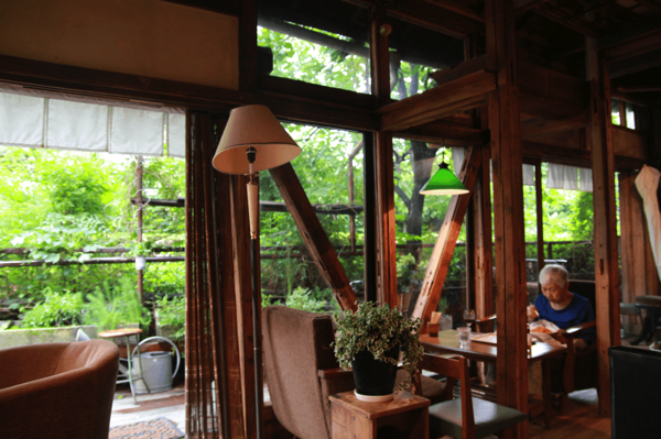 住宅街の中に佇む古民家カフェ Momo Garten 中野 カフェ 古民家カフェ カフェ