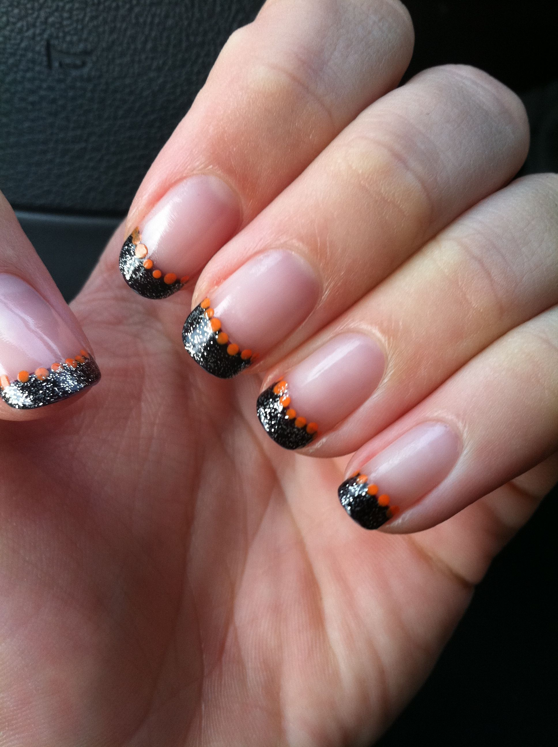 Cute Halloween nails | Halloween nail art, Cute halloween ...