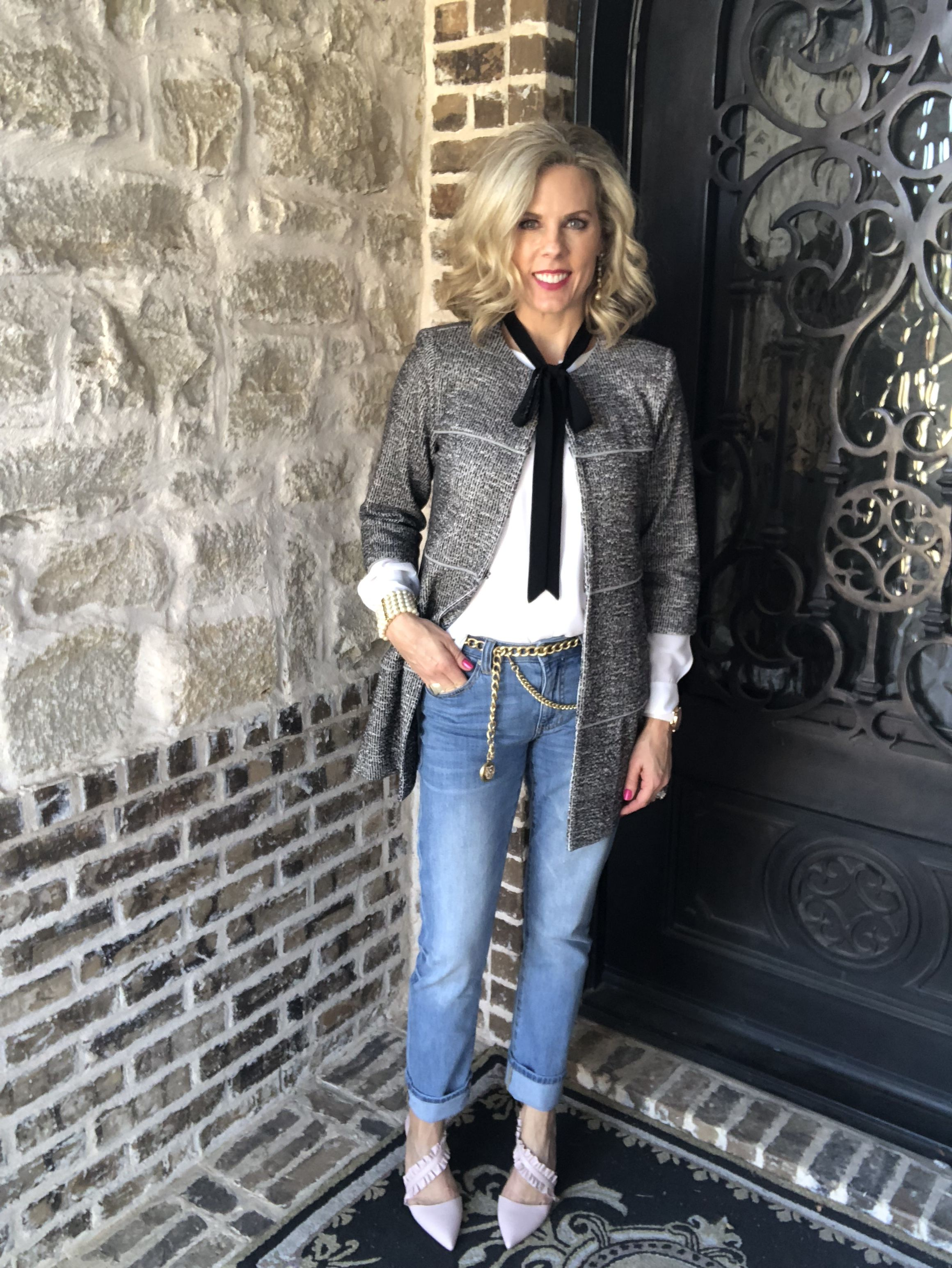 Leather grey jacket: perfect topper for spring foto