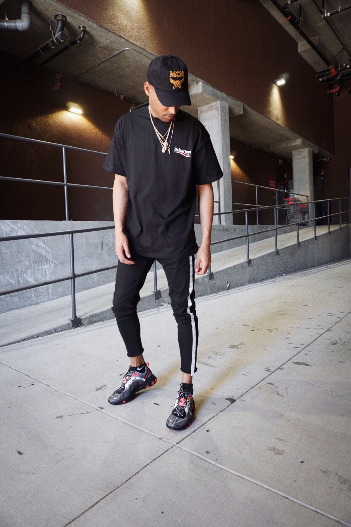 f2834a40 MENS STREETSTYLE OUTFIT BALENCIAGA MEN MCM MEN ALL BLACK OUTFIT MEN HYPEBEAST  OUTFIT FOR MEN @ALLENROBATEAU
