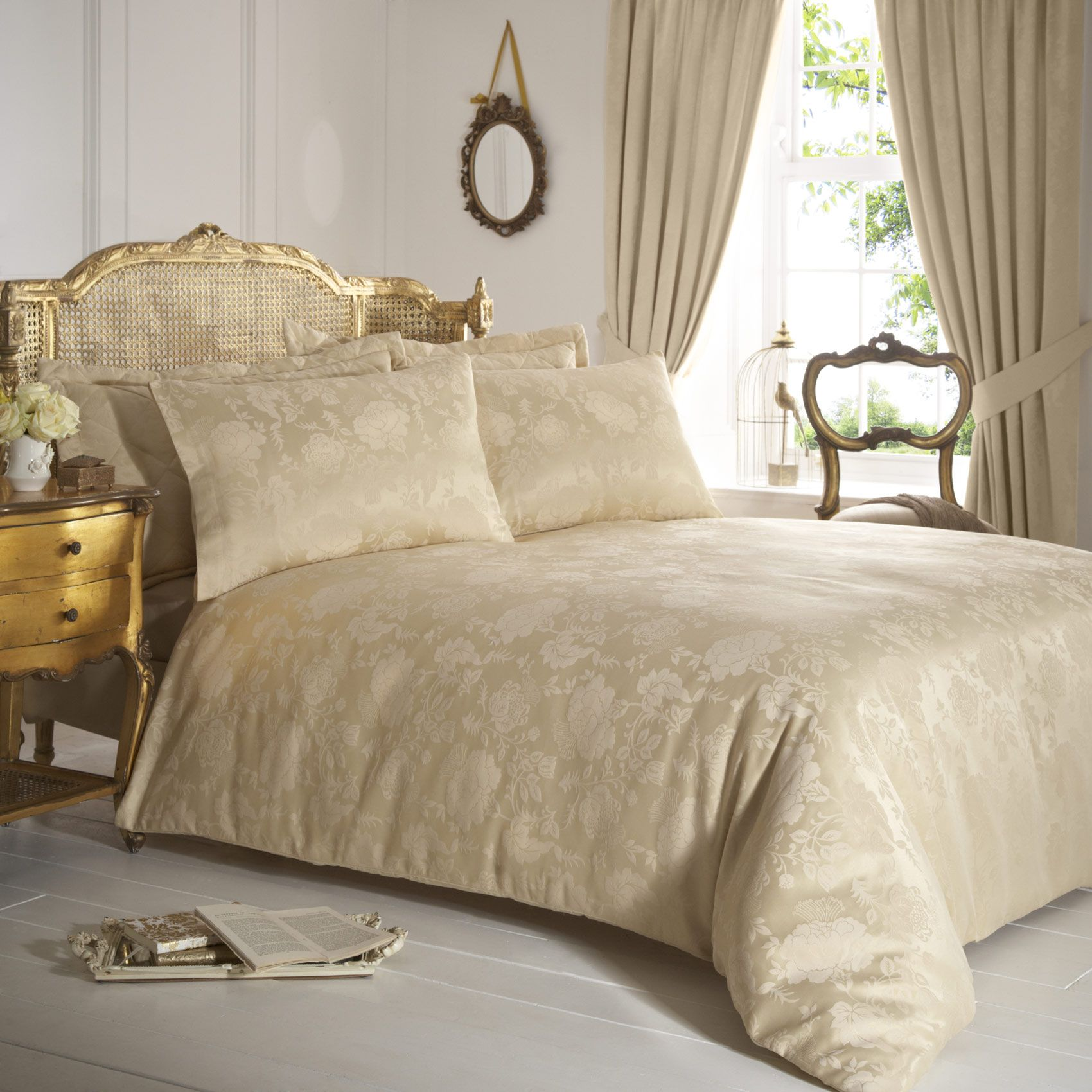 Vantona Rose Damask Duvet Cover Sets Gold