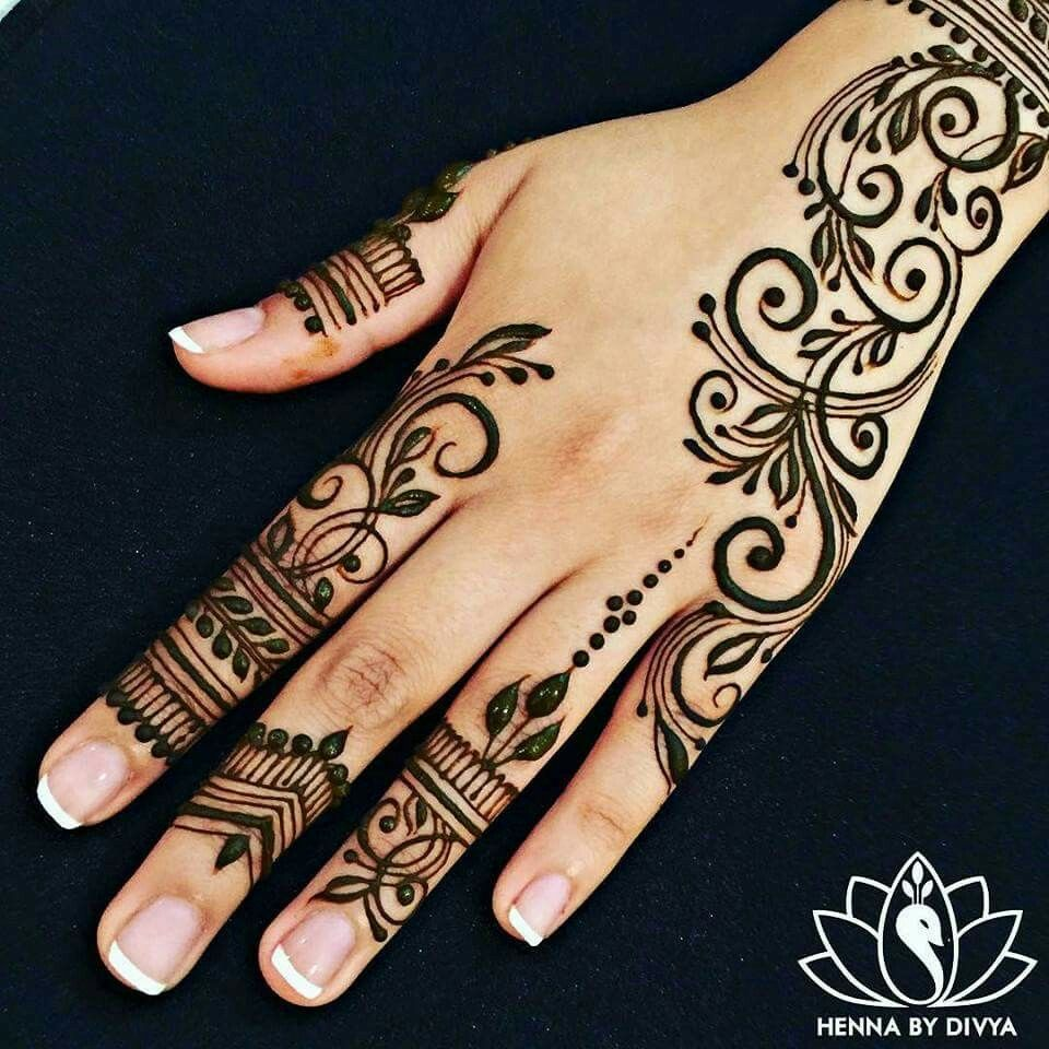 hand designs henna pinterest hand designs hennas and mehndi. Black Bedroom Furniture Sets. Home Design Ideas