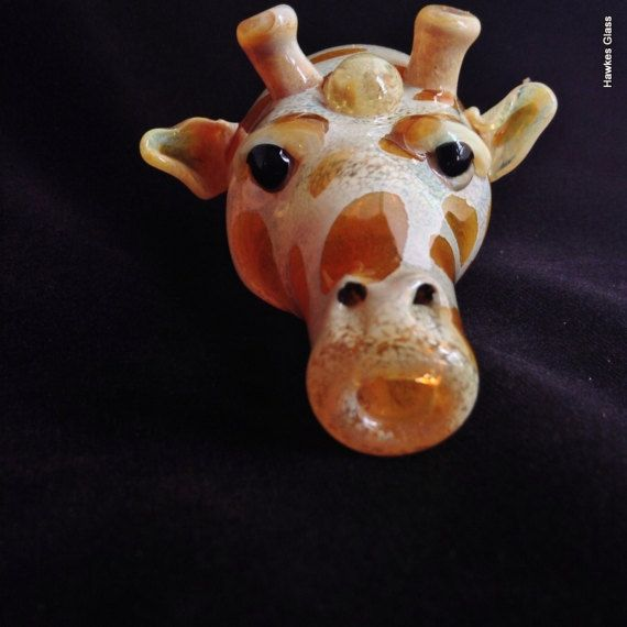 Glass Giraffe Head Pipe | Many sculpted creature pipes by Dana ...