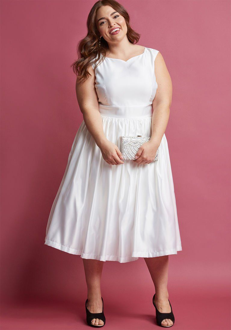 Fabulous fit and flare dress with pockets in white dresses for