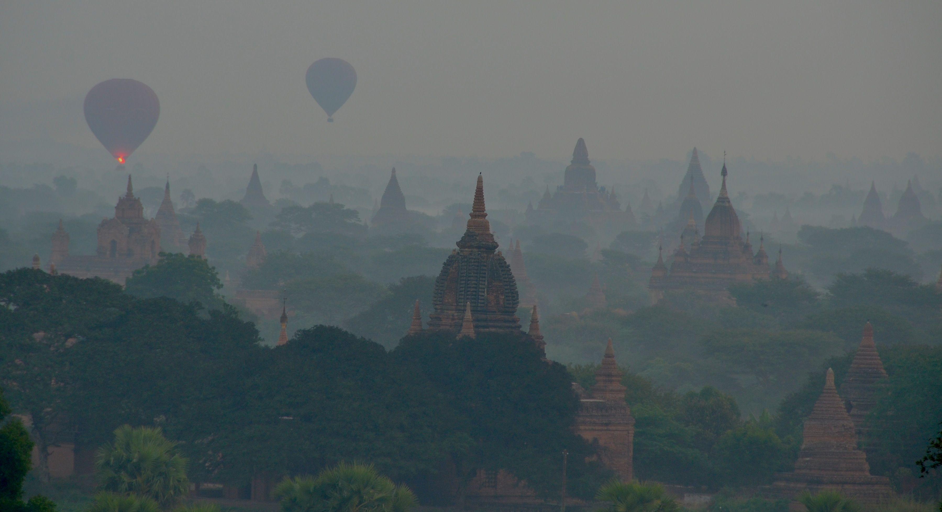 2014 - Sunrise at Bagan - Myanmar ( Burma )