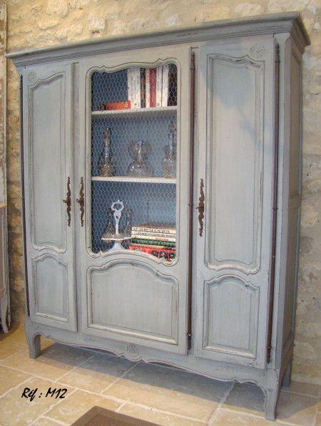 Très beau meuble vitrine (3 portes) ancien en chêne massif, patiné