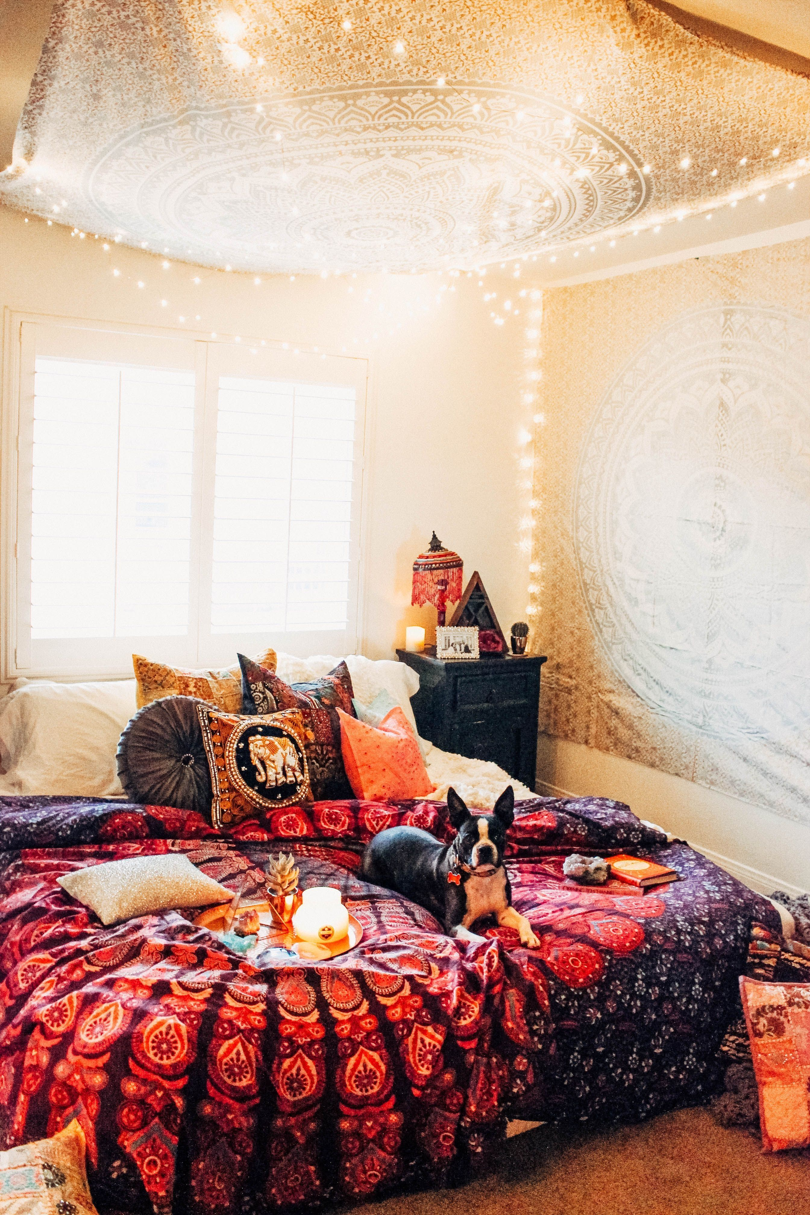 52 Dorm Room Essentials Create A Stylish Space For Lounging