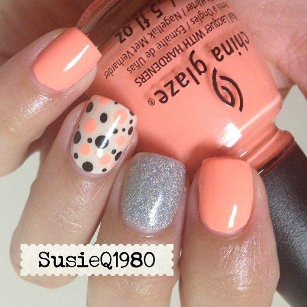 UñaS color naranja