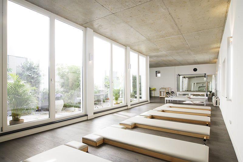 Photos Videos Bluebird Pilates Munich Studio Interior Pilates Studio Yoga Studio Design
