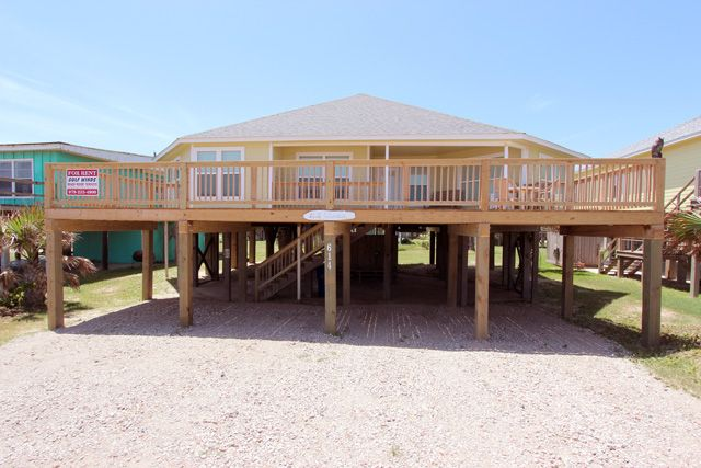 Gulf Winds Beach House Al In Surfside Texas 4 Bedrooms 3 Bathrooms Sleeps 21