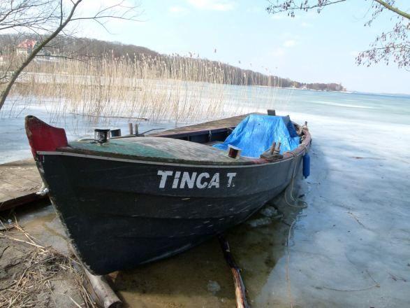 Mueßer Fischerboot am Schweriner See (c) Frank Koebsch - mehr Informationen unter http://frankkoebsch.wordpress.com/2013/04/13/vorbereitungen-fur-einen-aquarellkurs-in-schwerin/
