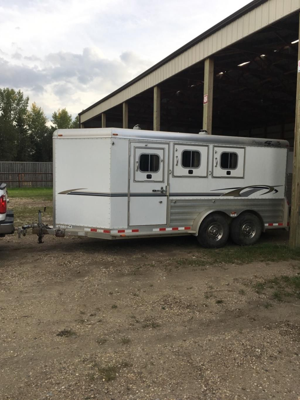 Trailer For Sale In Alberta 4 Star 3 Horse 7 Foot Wide 7 Foot