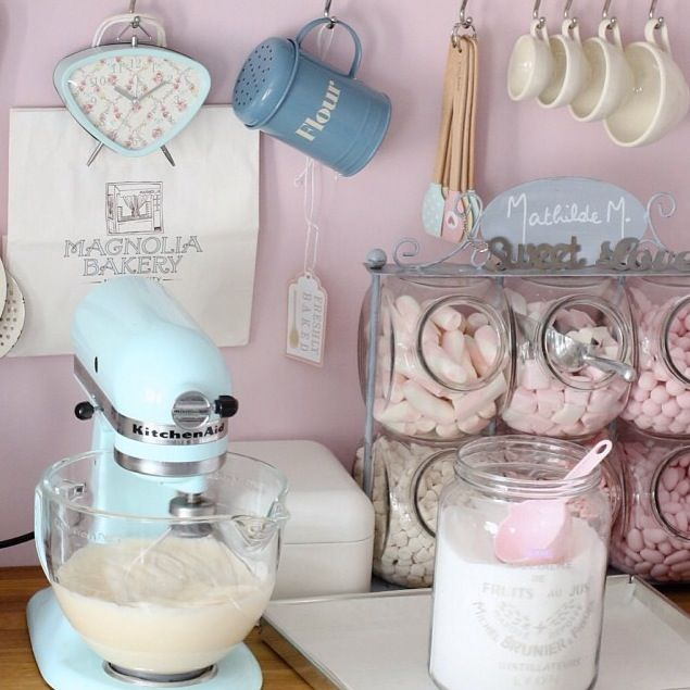 Shabby Chic Kitchen Accessories Uk: Retro Pastel Kitchen Colors That'll Make You Squeal
