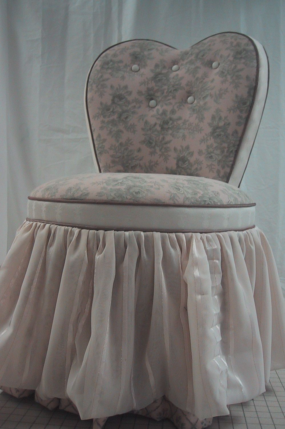 Vintage Skirted Vanity Below Is The Before Photo Of The Adorable