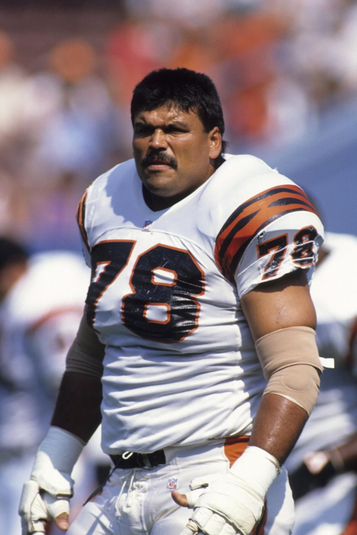 7224dd5e04a Smallthoughts Old School Tuesday …Anthony Munoz