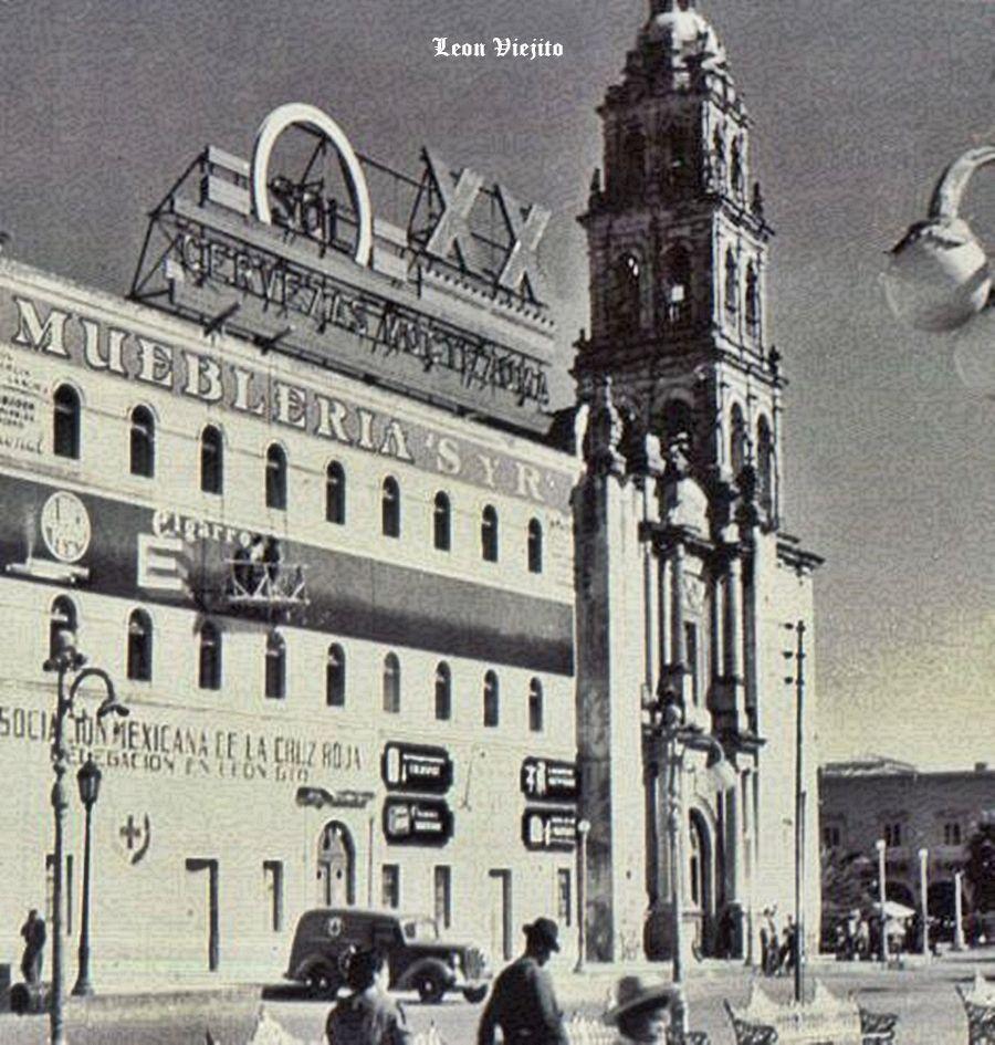 Edificio De Muebleria S Y R Zona Centro En Leon Guanajuato  # Muebles En Jiquilpan Mich