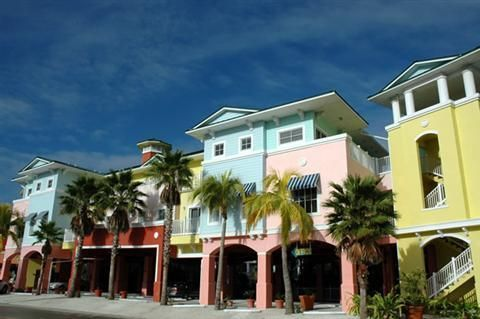 Lighthouse Resort On Ft Myers Beach We Ve Stayed Here A Few Times Bc The Price Is Usually Lot Better Than Other Hotels Island And Tiki Bar
