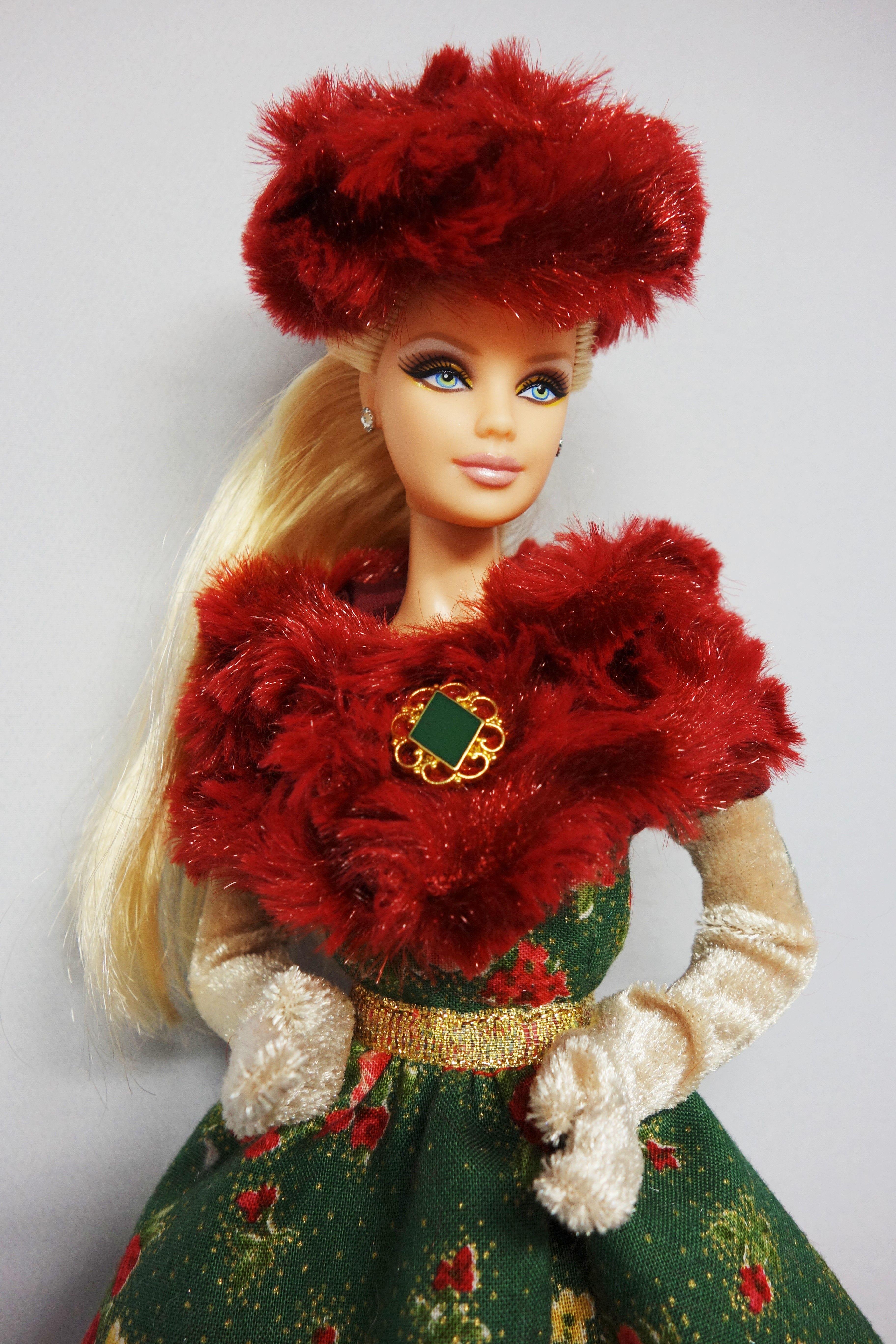 ee39783e012 Pin by Guadalupe Gonzalez on Barbie   Sombreros y Gorritas