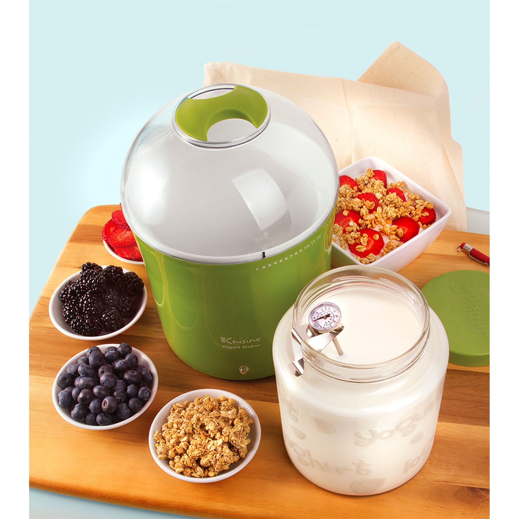 Euro Cuisine Yogurt And Greek Yogurt Maker With 2 Qt Glass Jar