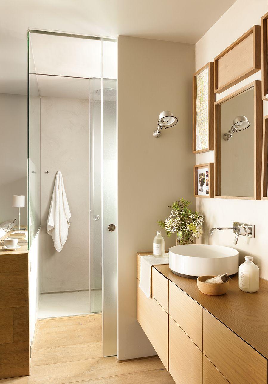 baño con parquet de madera y paredes blancas_00406257 en 2018 ...
