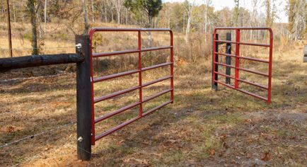 How To Hang A Farm Gate Fence Horse Fencing Horse And