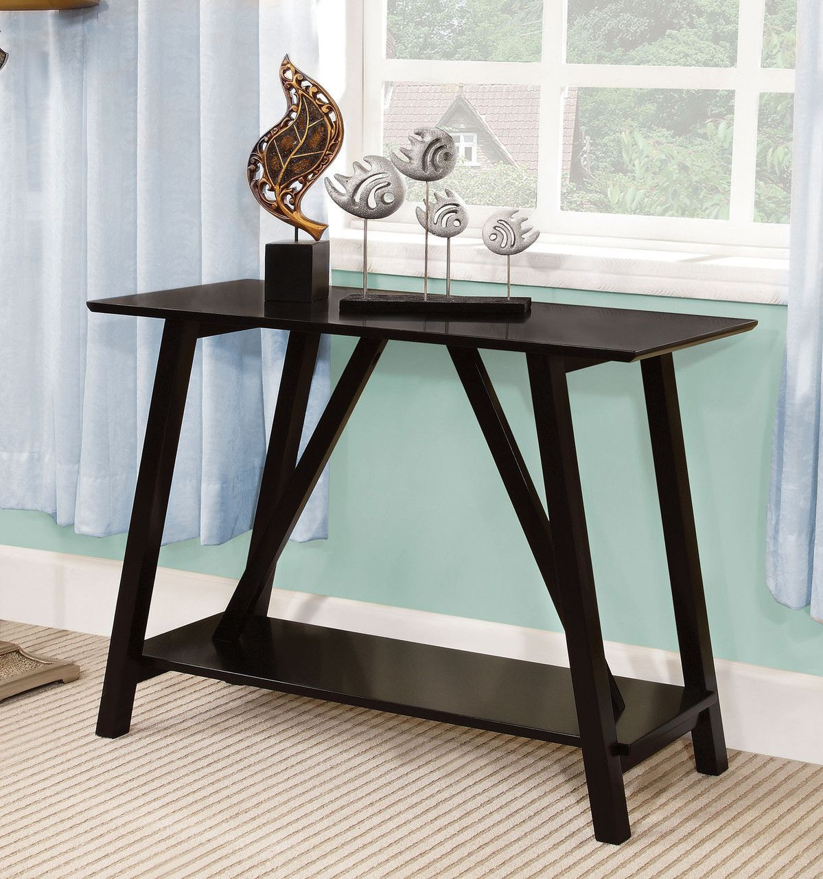 ELGG This Small Table Is Great For An Entry Way Or Hall Of