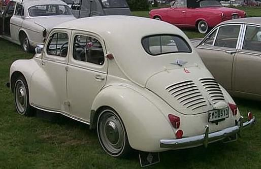 Renault 4cv 1947 61 retromobiles for Garage volkswagen ancenis