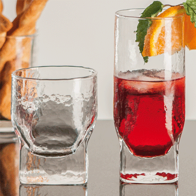 Apéro Becher und Long Drink