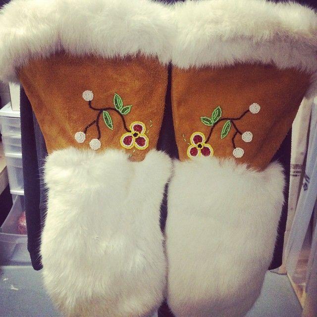 rabbit fur moose hide gauntlets perfect for winter winter mitts gloves gauntlets floral. Black Bedroom Furniture Sets. Home Design Ideas