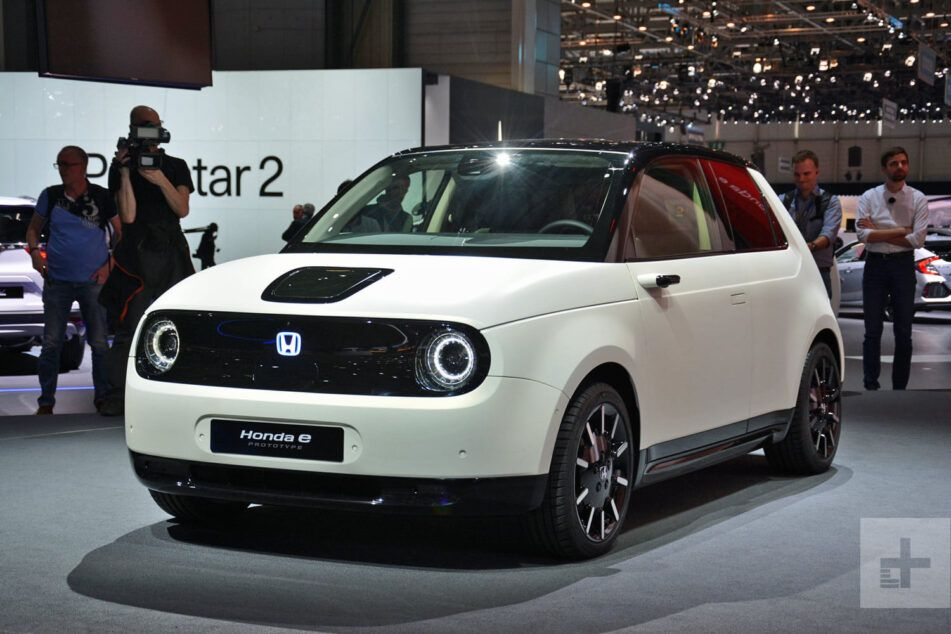 Honda E Is The First Production Battery Electric Vehicle Released By Honda In Europe And Is The Next Step Towards The Brand Name S Electric In 2020 City Car Honda Car