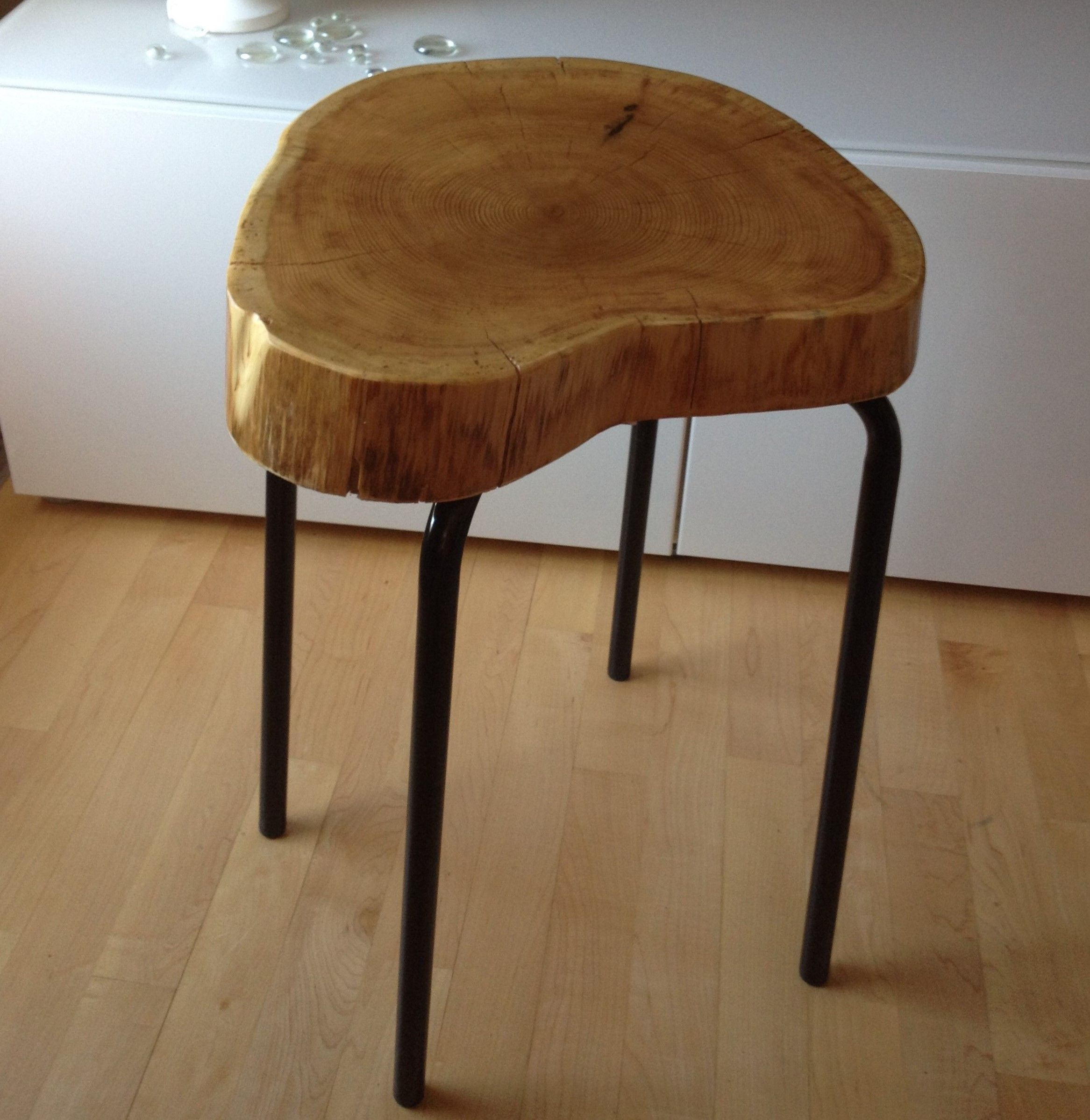 Stump End Table   Cedar Wood Stump Table With Metal Legs.  Www.serenitystumps.