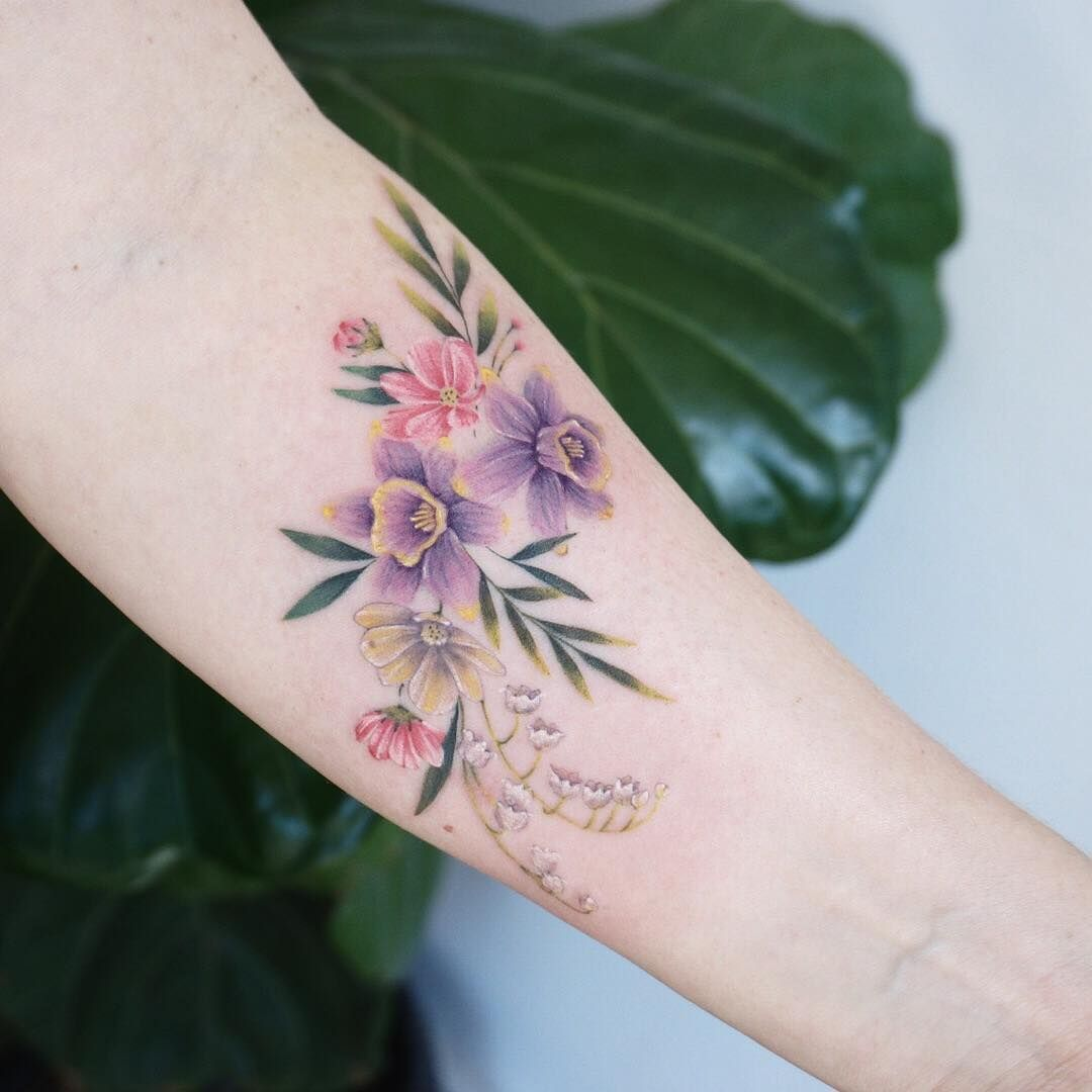 Beautiful floral tattoo by gnotattoo floral tattoos pinterest beautiful floral tattoo by gnotattoo izmirmasajfo