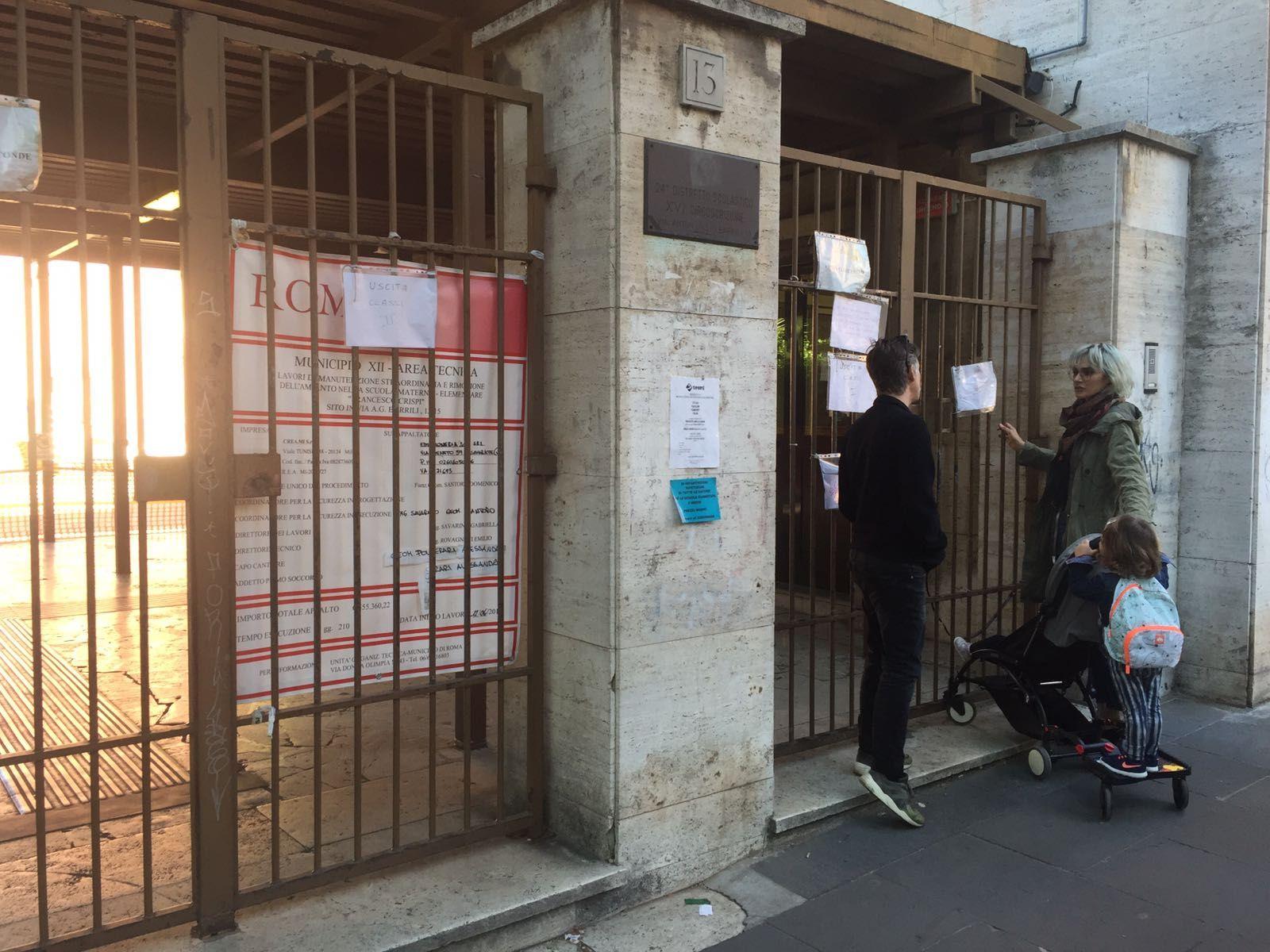 Cancello Bambini ~ Oggi bambini della scuola elementare crispi hanno trovato i