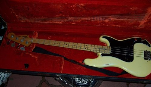 1978 Fender® Dee Dee Ramones Personal Bass White, Excellent, Original Hard, Call For Price! (via Gbase.com)
