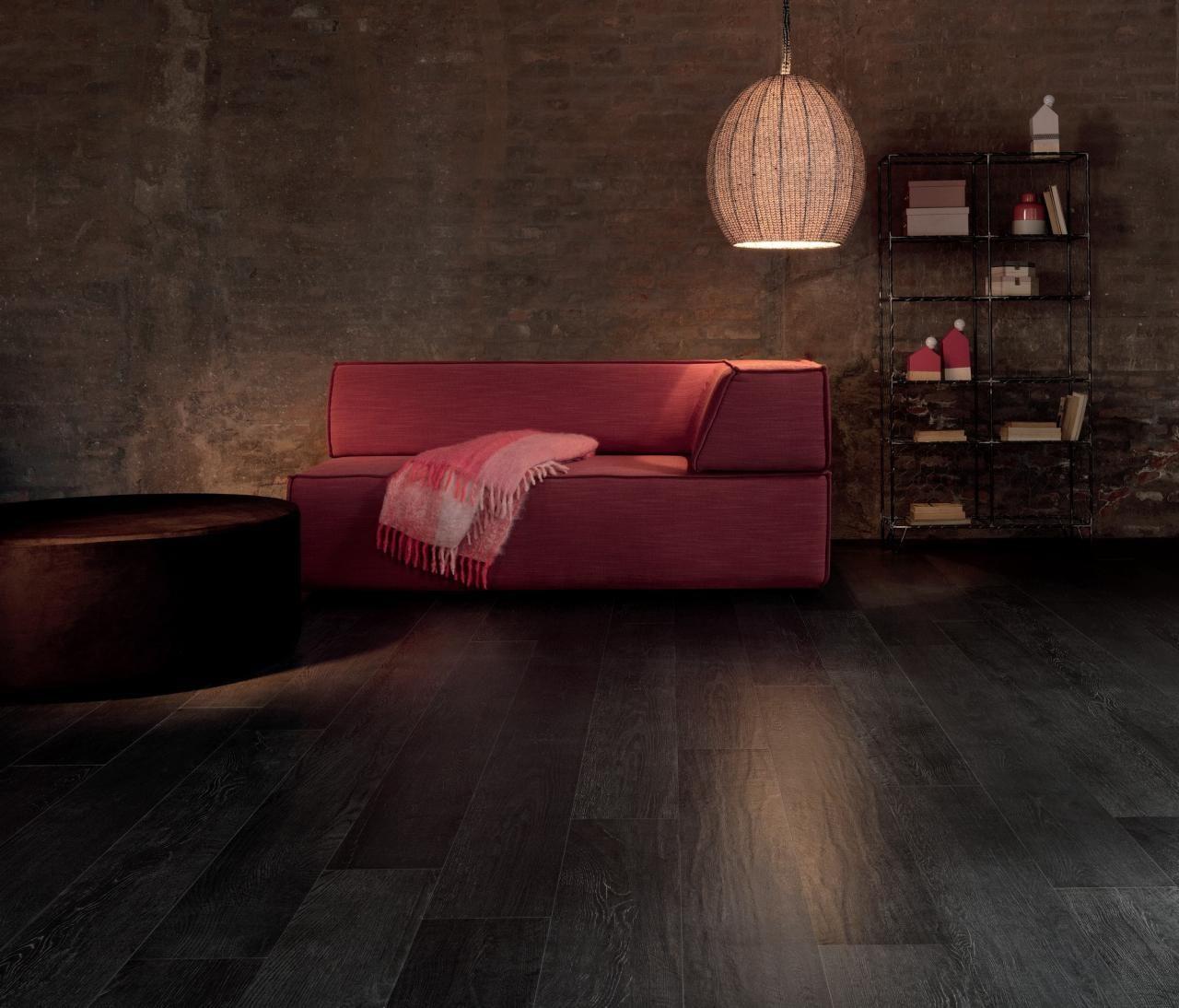Un Carrelage Effet Bois Pour Une Decoration Moderne Tanguy Deco Maison Recup Salon Moderne Carrelage Salon
