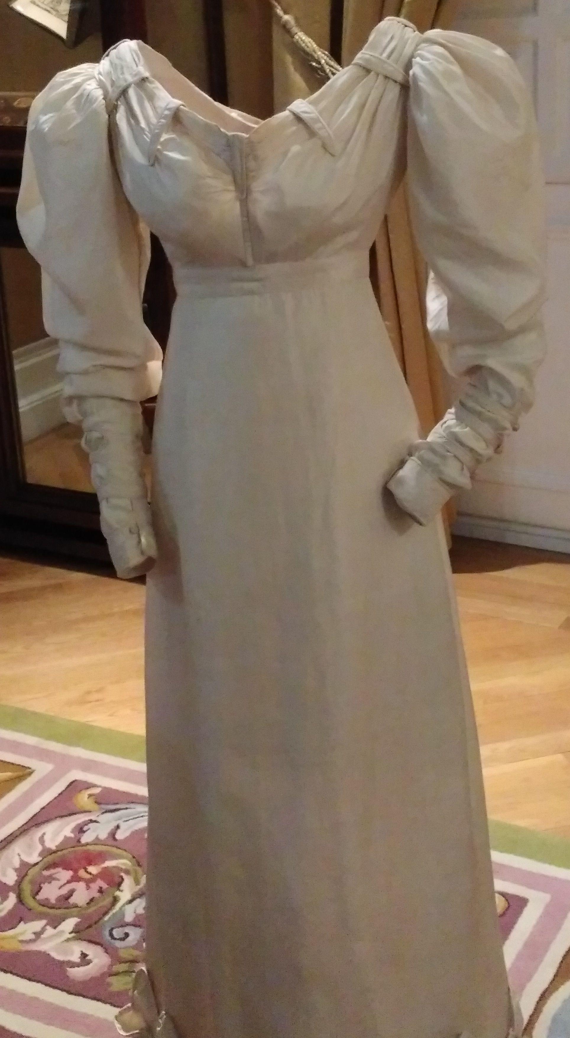 Wedding dress. 1840. Museo del Traje. spain