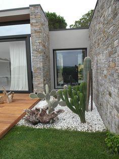 Photo of Villa a saint tropez giardino moderno di giardini valle dei fiori moderno   homify