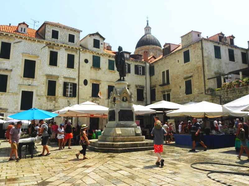 Gundulic Square In Dubrovnik Is A Major Landmark Not To Be Missed Dubrovnik Cruise Port Dubrovnik Cruise Port Croatia