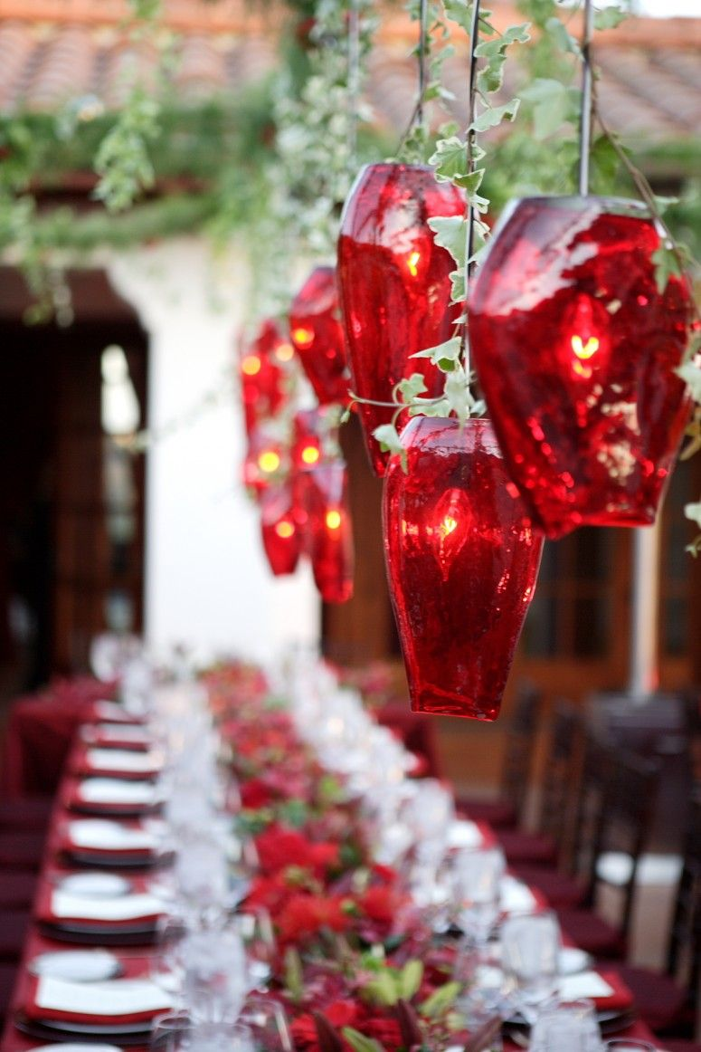 Gorgeous Unique Red Floral Glass Chandelier Lighting For Outdoor Christmas Dinner Table Decoration Ideas