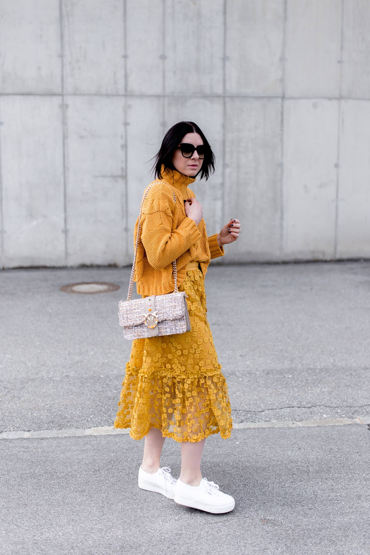 So Kombiniert Man Die Mode Farbe Gelb Im Alltag Who Is Mocca