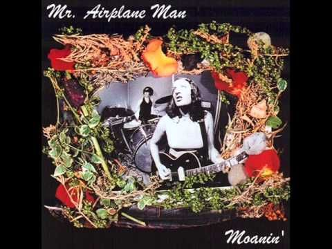 'moanin' by mr. airplane man....the sounds of a deep south hot summer night....