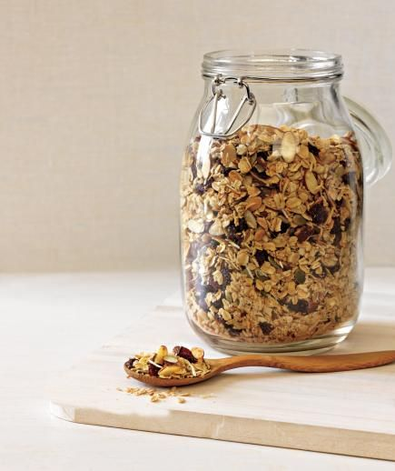 10 whole grain breakfasts to power your day buy stuff granola and 10 whole grain breakfasts to power your day solutioingenieria Image collections