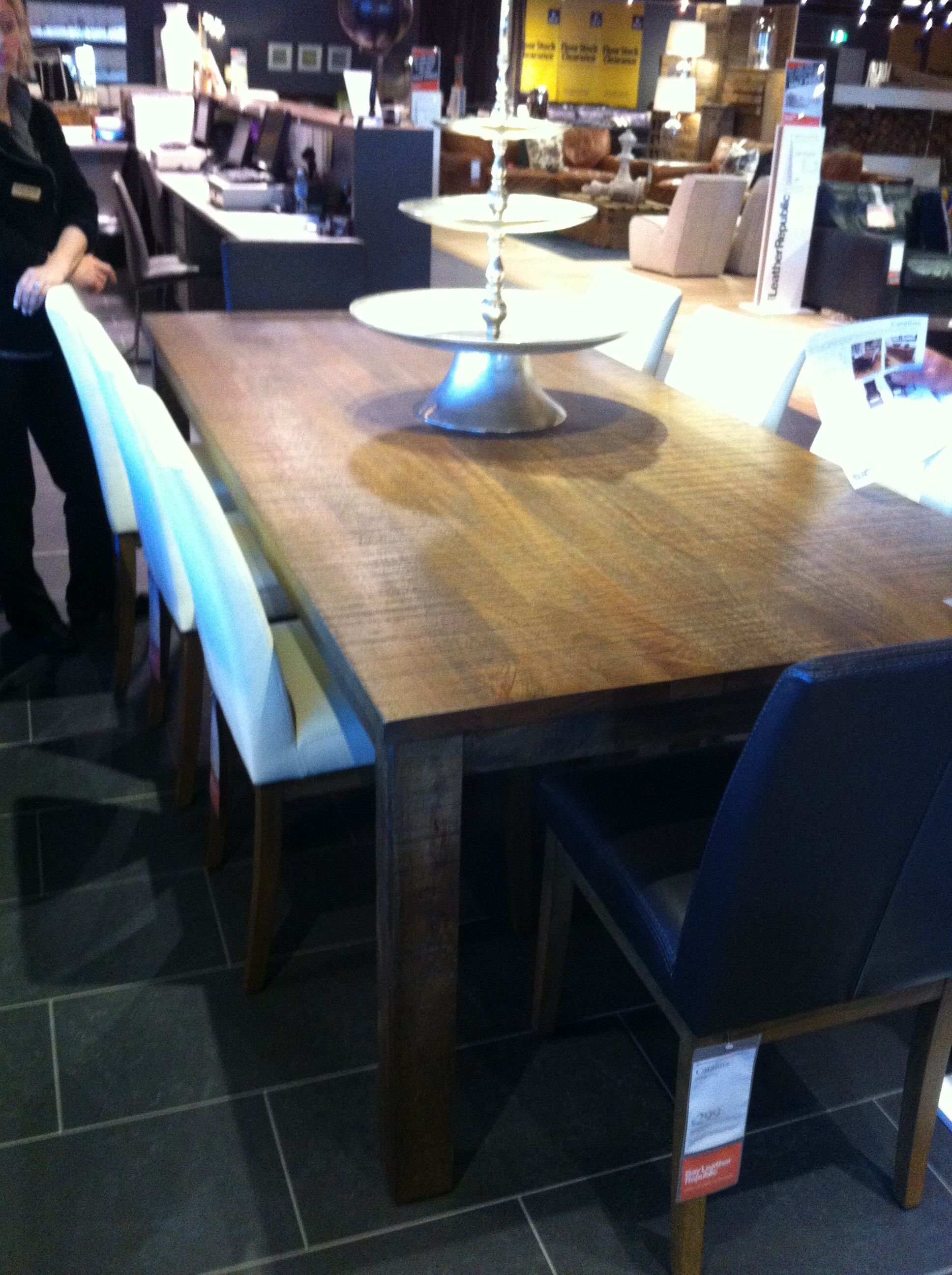 Catalina table 2400 - Bay Leather Republic Mile End