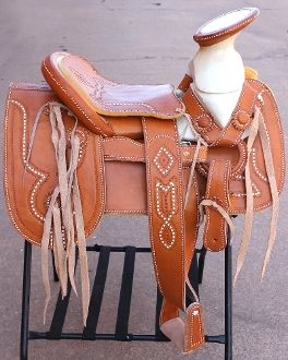 "15"" Light Brown Charro Saddle available at mroyalsaddles.com. #horses #charro #charrosaddle #monturacharra #sillacharra #fuste #horsesaddle"