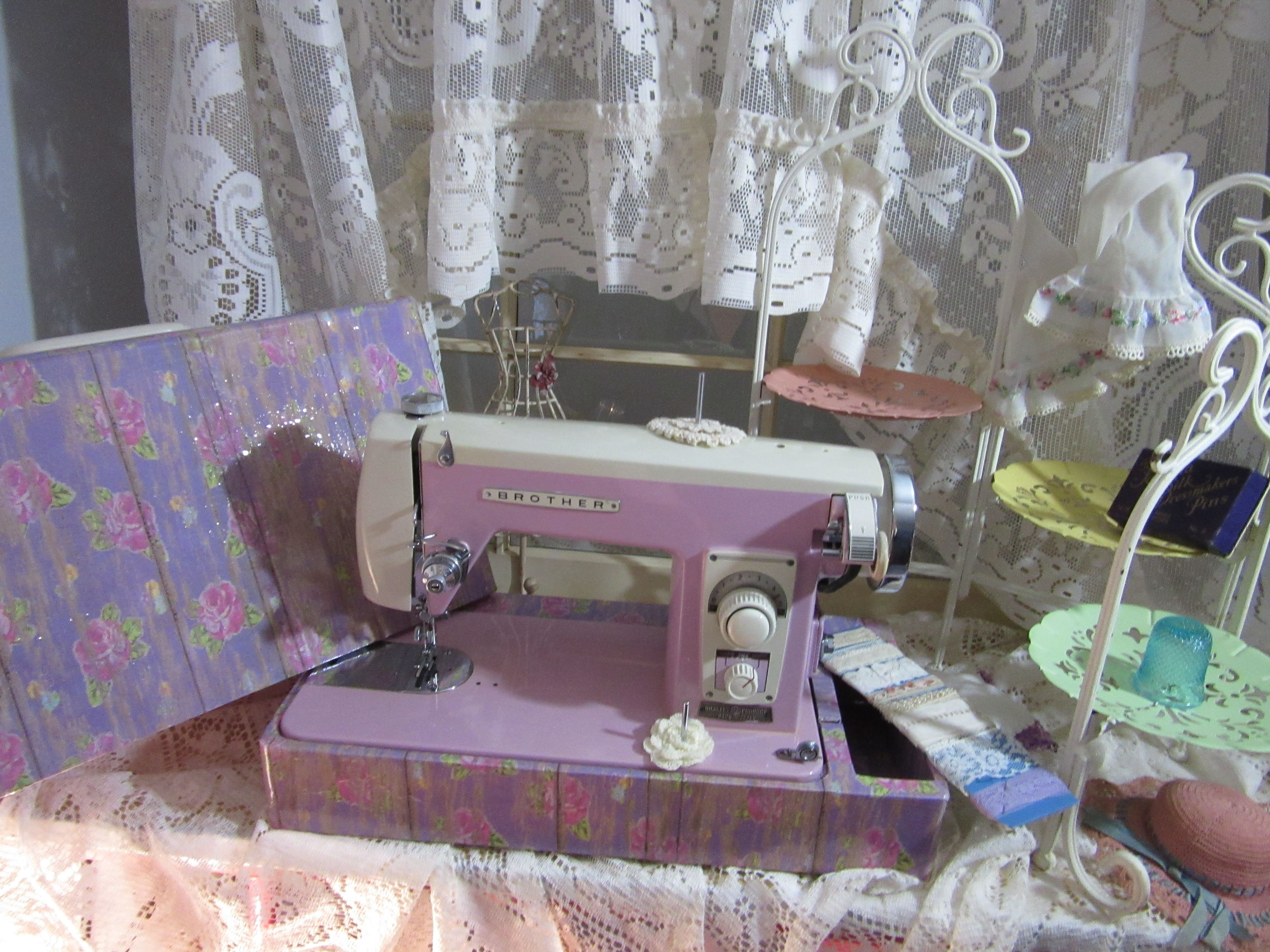 Scrapbook paper case - Orchid Brother Super Streamliner Model 220 Orchid Ivory Made In Japan I Decoupaged The Case With Scrapbook Paper 2015
